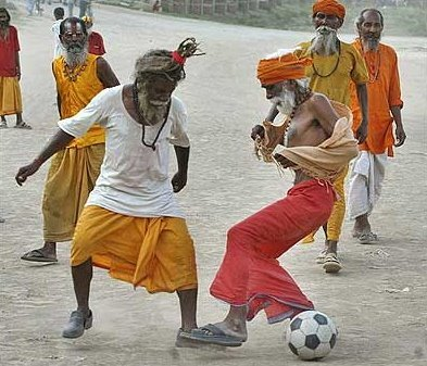 sadhus_football