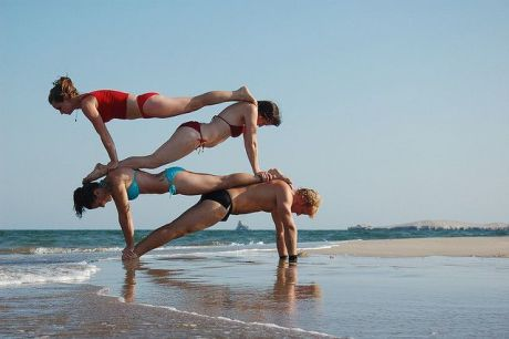 People-doing-acro-yoga5