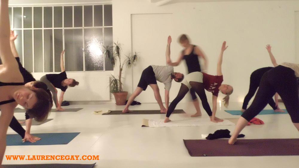 yog-annivtrikonasana