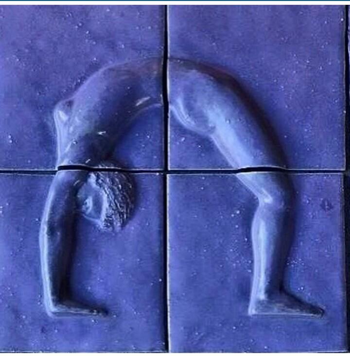yogaskuptur_urdva_dhanurasana.jpg