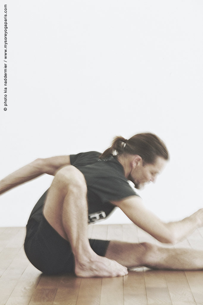 kia-naddermier-john-scott-yoga2